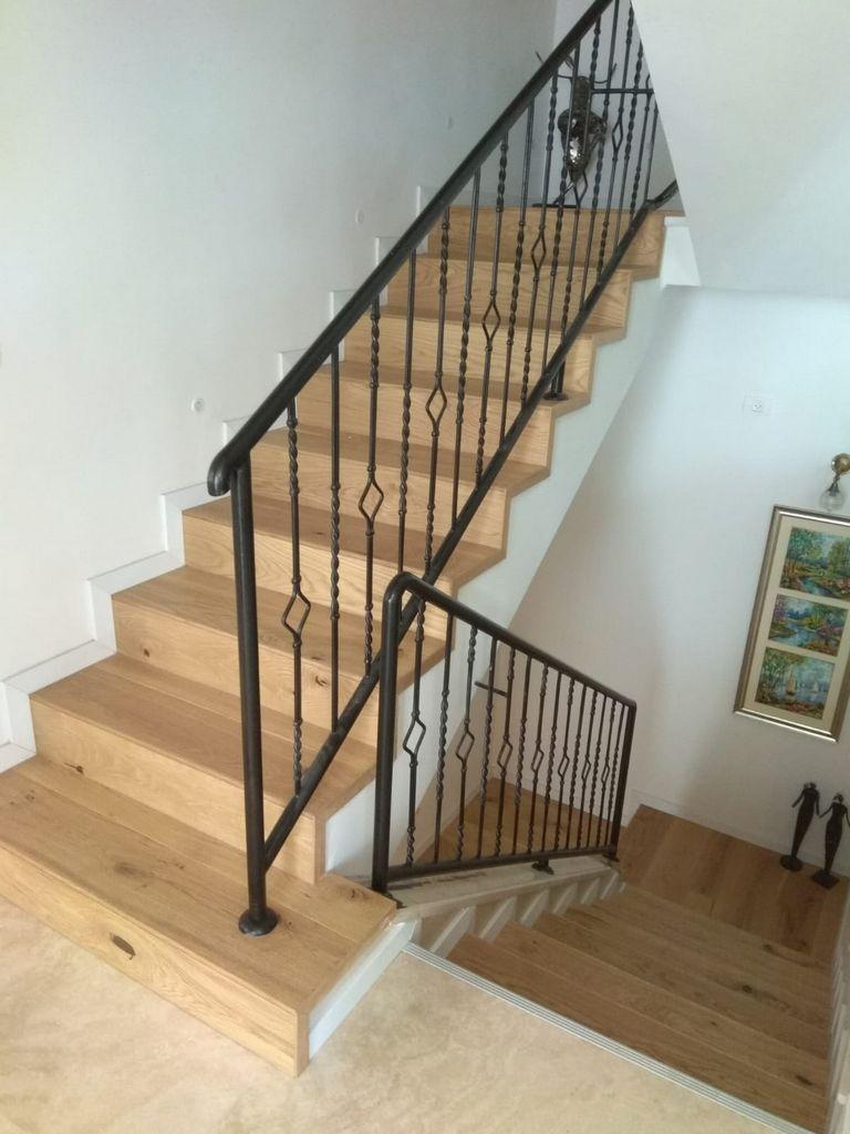 חיפוי מדרגות בפרקט עץ תלת שכבתי